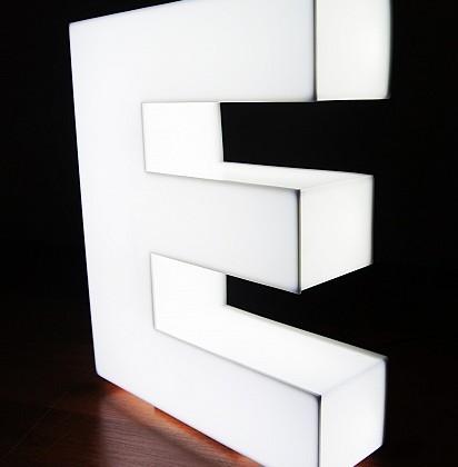 litery-swietlne